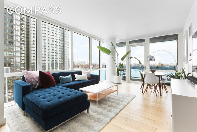 williamsburgs premier condominium large 2bd 2ba with a balcony with open city views pass thru chefs kitchen with stainless steel appliances m w d w - Chefs Kitchen 2